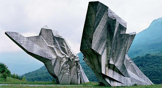 feat-spomeniks
