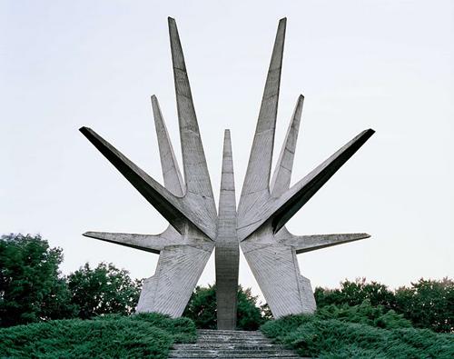 jan kempenaers-spomenik2